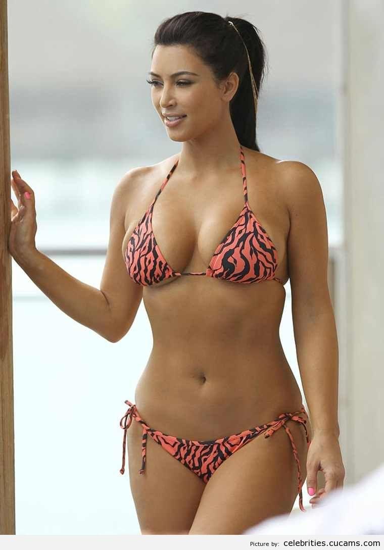 Celebrities Cougar Latina by celebrities.cucams.com